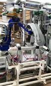机器人手臂装汉威超声波设备焊接塑胶产品