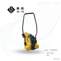 鞍铁GQD-118型液压起道器工作现场简要介绍