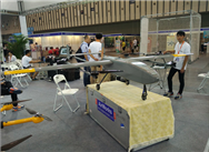 牛人发明超级无人机,载重可达500斤,实现了无人机载人飞上天