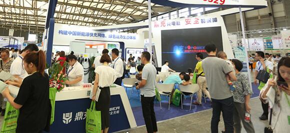 房產、物業等組團參觀采購 8月上海充電設施展空前火熱